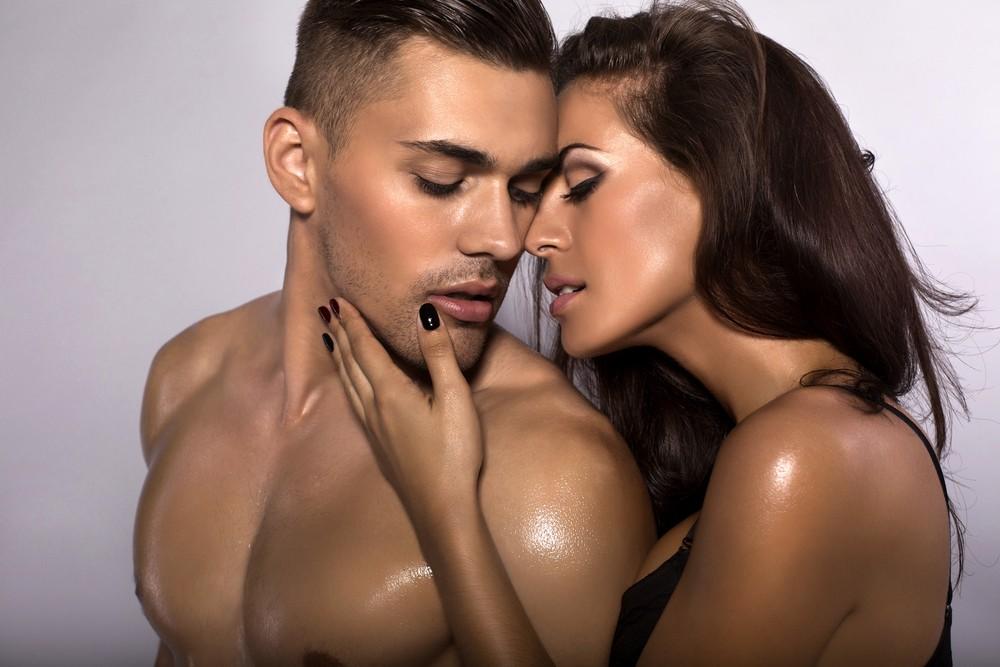 Чувственный эротический массаж
